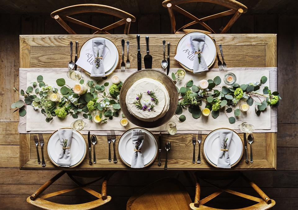 Jak wybrać najlepszą zastawę stołową z porcelany?